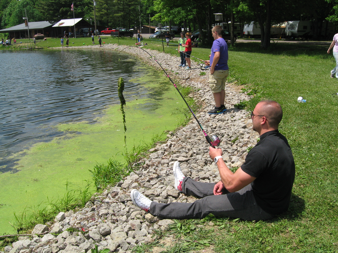 Lake milton fish and game club hooked on fishing photo album for Hooked on fishing