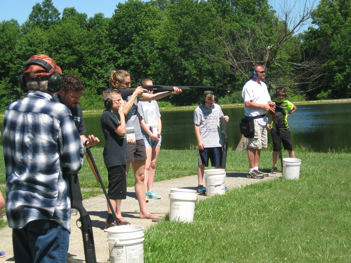 Lake milton fish and game club women youth members trap for Wsbtv fish and game